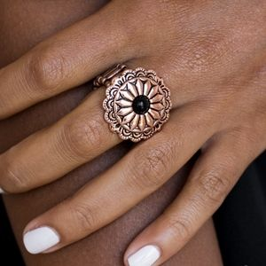Daringly Daisy Copper Stretchy Ring Band
